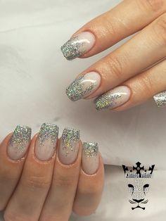 Shiny nails  #nails💅 #nailart #shinynails #christmasnaiils #nailsoftheday #nailsalon #nailaddict #nails2inspire #nailaholic #nailartist #marinaveniou #trustthexperts #beautymakesmehappy   www.kalliopeveniou.gr