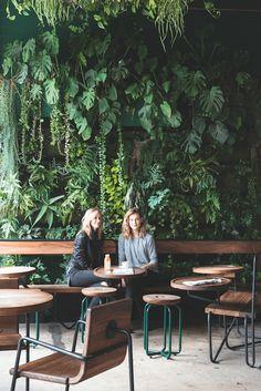 12 hotspots in Los Angeles #wanderlust #travel #LA #hotspots #california #californiadreaming Greenhouse Cafe, Greenhouse Restaurant, Cafe Concept, Cafe House, Decoration Restaurant, Deco Restaurant, Restaurant Design, Vintage Restaurant, My Coffee Shop