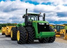 Scraper Special Tractors from John Deere are excellent for moving dirt. Attach 1 or two scrapers to the back of the tractor and move dirt quickly and efficiently. Jd Tractors, John Deere Tractors, John Deere Equipment, Heavy Equipment, Farm Life Quotes, Earth Moving Equipment, New Tractor, Hobby Farms, Four Wheel Drive