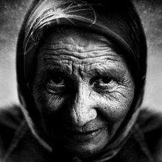 Black and White Photography of Women: How Take Beautiful Pictures – Black and White Photography People Photography, Street Photography, Portrait Photography, Photography Ideas, Lee Jeffries, Black And White Portraits, Black And White Photography, Pictures Of You, Beautiful Pictures