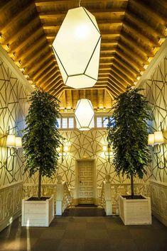 Entradas espectaculares en La Quinta de Illescas. Te enamoraran Ceiling Lights, Lighting, Home Decor, Event Organization, Entry Ways, Gardens, Homemade Home Decor, Light Fixtures, Ceiling Lamps