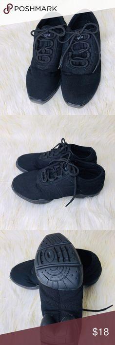 14b0ca1458 Capezio Jazz Shoes--Size 7 Capezio Jazz Shoes Size 7 Color  Black These  Dance Shoes are In Excellent Condition Smoke   Pet Free Home Office Capezio  Shoes