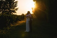 Sunset bride and groom portrait | Image by Kristian Leven Photography