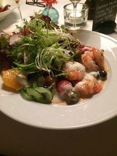 Scampi Salat im Restaurant im Deutschen Theater in Berlin. Lust Restaurants zu testen und Bewirtungskosten zurück erstatten lassen? https://www.testando.de/so-funktionierts