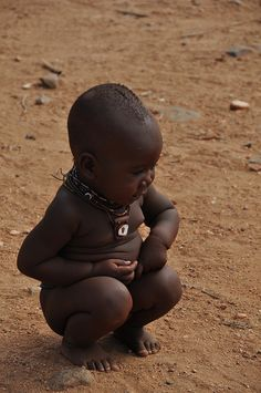 A little Himba girl. Look at that cute belly! Beautiful Black Babies, Beautiful Children, Beautiful People, Himba Girl, Cute Kids, Cute Babies, Himba People, African Children, Precious Children