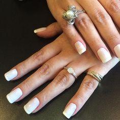 Unha de gel by @mariarita.rocha.10 ! Muito top! #paraserbonitadivirtase #vem #unhadegel #nails #espacodellasbar
