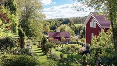 How This Tiny Town Drew World-Class Artists Into the Forests of Finland Fiskars, Finland — an hour west of Helsinki — was a knife-making village on the decline. Now it's one of the world's most successful artist havens.