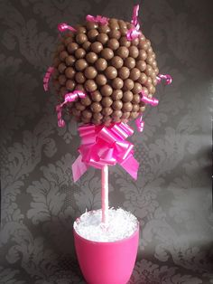 Maltesers sweet tree by Sweetpea cakes and Treats, via Flickr