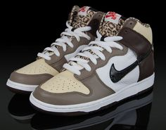 still obsessed with these.. i wish i could find them in my size. badd. nike ferris bueller.