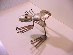 silverware sculpture art Frog no. 2 recycled by HouseOfPhlegethon Fork Art, Spoon Art, Metal Yard Art, Scrap Metal Art, Metal Projects, Metal Crafts, Silverware Art, Horseshoe Art, Recycled Art