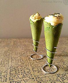 Cucuruchos de espinacas con relleno de mousse de queso Stilton
