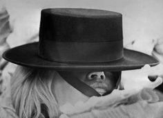 "Brigitte Bardot sul set del film ""Shalako"" ad Almeria, in Spagna, nel 1968 (AFP/Getty Images)"