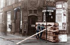 Revolution 1919, Berlin, Straßenkampf Berlin, 3.–12. März 1919 / Generalstreik der Arbeiterschaft / Reichswehrminister Noske verhängt den Belagerungszustand und läßt Truppen gegen die Streikenden vorgehen. Soldaten hinter einer Barrikade an der Friedrichstraße Ecke Kochstraße.