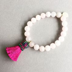 © UN JE NE SAIS QUOI www.unjenesaisquoi.ch Diy Tassel, Tassels, Tassel Necklace, Jewellery, Bijoux, Jewels, Jewelry Shop, Schmuck, Tassel