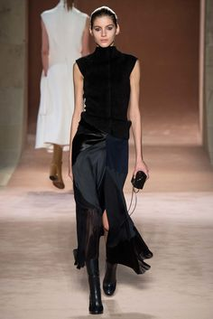 Victoria Beckham Fall 2015 Ready-to-Wear Fashion Show - Valery Kaufman