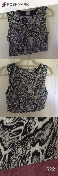 Bobi black and white snakeskin crop top Worn once, perfect condition! Cotton and soft. Ships same/next day! Size medium Bobi Tops Crop Tops