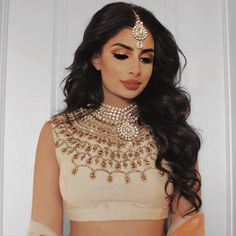 Best wedding makeup indian necklaces Ideas - Wedding Makeup How Indian Skin Makeup, Indian Makeup Looks, Indian Wedding Makeup, Best Wedding Makeup, Bridal Makeup Looks, Bride Makeup, Wedding Hair And Makeup, Hair Makeup, Desi Bridal Makeup