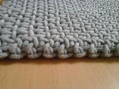 Bardzo gruby dywan ze sznurka