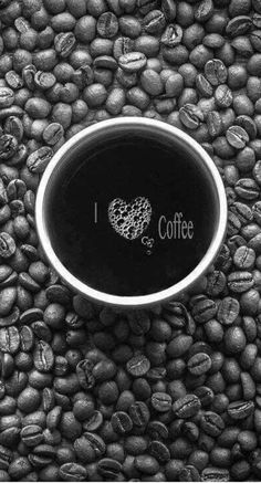 all about coffee, coffee things - Café Dreams - Kaffee Coffee Is Life, I Love Coffee, Coffee Art, Coffee Break, My Coffee, Coffee Shop, Coffee Cups, Coffee Lovers, Morning Coffee
