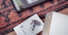 Visitenkarten aus dem Instant Drucker  Es bietet sich durch die Wireless-Anbindung der einzelnen Geräte mittlerweile die Möglichkeit eine Visitenkarte aus einem gerade eben geschossenen Bild zu machen. Und das ohne großen Aufwand und viel Zusatz Equipment.  Ich verwende meine Fujifilm XT-3 in Kombination mit meinem Smartphone und einem Fujifilm Instax SP2 Drucker. Die Kamera kann aber auf Grund Redundanz auch weg gelassen werden.  Ist das Foto gemacht spielt sich das meiste auf dem… Flyer, Fujifilm Instax, Mp3 Player, Smartphone, Printers, Visit Cards, Camera