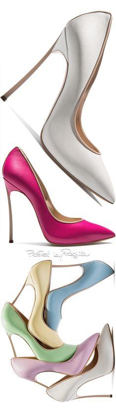 Regilla ⚜ Una Fiorentina in California via @angelaiii. #heels #chic
