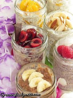 No Cook Overnight Oatmeal, this delicious blend of oatmeal, chia seeds, yogurt and fruits are perfect healthy breakfasts for those go!