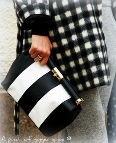 cadres and stripes black/whithe