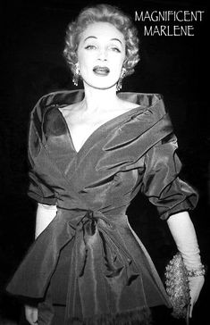 La Venus Rubia. Marlene Dietrich, Female Actresses, Actors & Actresses, Katharine Hepburn, Audrey Hepburn, Classic Hollywood, Old Hollywood, Fifties Fashion, Vintage Fashion