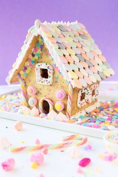 Funfetti Sugar Cookie House 2019 Can't wait to make this colorful funfetti gingerbread house for the holidays. The post Funfetti-fied! Funfetti Sugar Cookie House 2019 appeared first on Holiday ideas. Cool Gingerbread Houses, Christmas Gingerbread House, Noel Christmas, Christmas Desserts, Christmas Baking, Christmas Cookies, Christmas Crafts, Christmas Colors, Gingerbread Cookies