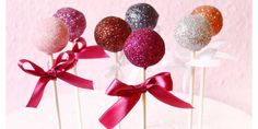 Tutorial: How to make Sparkly, Festive Cake Pops for New Year's Eve