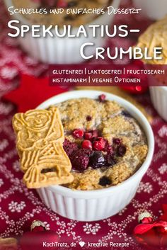 Crumbles are great, simple and quick desserts. Here comes the winter version with speculoos. This fruit crumble goes well with the advent season or with the Christmas menu. # fruits Winter crumble with fruits easy Desserts Végétaliens, Desserts Sains, Healthy Desserts, Dessert Recipes, Healthy Food, Fruit Crumble, Healthy Smoothies, Smoothie Recipes, Desert Recipes