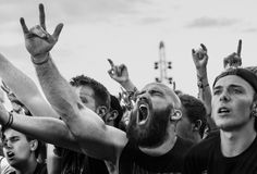 Across five years, five countries and 11 music festivals, Australian photographer Nic Bezzina has documented one constant – the raw emotion expressed by festival-goers Festival Metal, Rock N Roll, Crowd, Culture, Feelings, Concert, Live Photos, Rollers, Spin