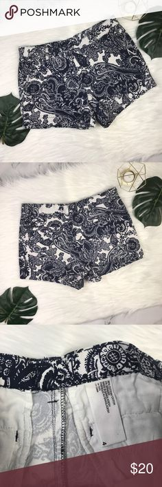 "Joe Fresh | White & Navy Blue Printed Shorts These shorts are in perfect condition! Perfect for the spring and summer time! You can make this look fun or classy! Perfect ""any occasion"" Shorts! 💕B9-438 Measurements: L-11in. W-15.5in. Ins.-3.5in. Joe Fresh Shorts"