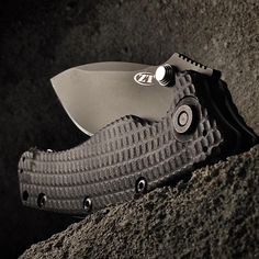 5 Tips for Taking Awesome Knife Photos »