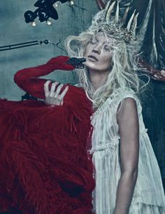 Kate Moss red swan