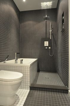 No glass shower and dark shower area and light tub area. Maison Greene :: bathroom - modern - bathroom - montreal - Bipède