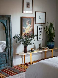 Thrift Thursday Art For The Guest Bedroom – Interior 2020 Decor, Room Makeover, Coffee House Interiors, Eclectic Home, Bedroom Interior, Home Decor, Parisian Bedroom, Colorful Furniture, Interior Design