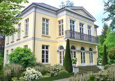 Mansions, Elegant, House Styles, Home Decor, Patio, Modern Gardens, Indoor Courtyard, Landscape Diagram, Wonderland