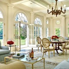 50 Favorites for Friday, South Shore Decorating. The week's best rooms. Traditional, transitional, modern and classically elegant room designs. Living rooms, dining rooms, bedroom, kitchens, walk in closets.