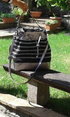 borsa interamente fatta a mano in vera pelle e cordino italiano di alta qualita