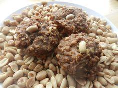"galettes ""L'Énergie de fer"" (galette mélasse et beurre d'arachides) by Madame Labriski, via Flickr Biscuits, Oatmeal, Vegan Recipes, Lunch Box, Health Fitness, Homemade, Snacks, Cookies, Dire"