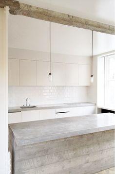 wood and concrete kitchen ++ interior dsgn Beton Design, Küchen Design, House Design, Design Ideas, Cafe Design, Design Shop, Concrete Kitchen, Kitchen Wood, Kitchen Island