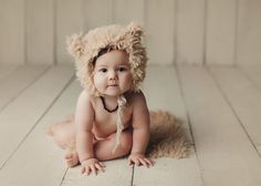 Little bear 🐻 9 Month Olds, Baby Portraits, Studio Shoot, Maternity Photographer, Photographing Babies, Baby Month By Month, Photo Sessions, Old Photos, Vintage Inspired