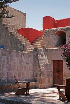 Monasterio de Santa Catalina, Arequipa. Perú ~ UNESCO World Cultural Heritage Site.  Photo: daniel.virella via Flickr