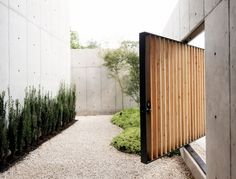 Japanese architecture embodies such design elements as material clarity and sculptural so it is not hard to see how the Concrete Box house (Houston, TX) by Christopher Robertson of Robertson Design is influenced by Japanese Design.