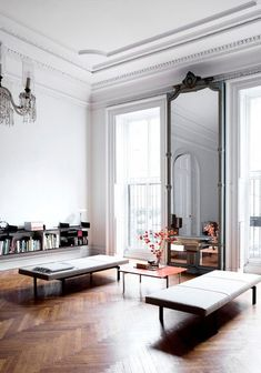 4 Agreeable Cool Tips: Minimalist Decor Bedroom Apartment Therapy minimalist interior simple living rooms.Minimalist Home Interior Small minimalist bedroom wood inspiration.Boho Minimalist Home Tiny House. Home Interior, Interior Architecture, French Interior, Classic Interior, Danish Interior, Concrete Architecture, Drawing Architecture, Interior Office, Classic Architecture