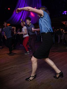 https://flic.kr/p/nQAL8r | Lindy Hop at the Chalet du Parc | Organized by Shake that Swing