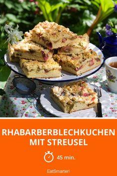 Rhabarberblechkuchen mit Streusel - 7711 kcal - einfaches Gericht - So gesund ist das Rezept: 4,7/10   Eine Rezeptidee von EAT SMARTER   Rhabarberkuchen, Streuselkuchen, Rhabarber-Streuselkuchen, Frühlingskuchen, Hausmannskost, Ländlich, Obst, Rhabarber-Dessert #blechkuchen #rezepte