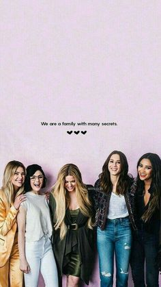Pretty little liars. What I noticed was that how long are the hair of Alison. Frases Pretty Little Liars, Prety Little Liars, Pll Memes, Textiles Y Moda, Shadowhunters, Spencer Hastings, Ashley Benson, Film Serie, Grey's Anatomy