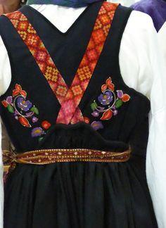 Fra utstilling i Tinn håndverksenter Folk Costume, Costumes, Oslo, Norway, Ethnic, Vest, Culture, Inspiration, Style